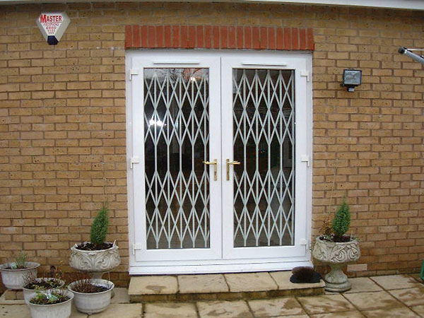 Domestic Retractable Grilles